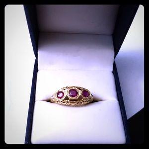 Jewelry - Vintage 14K past, present , future ring